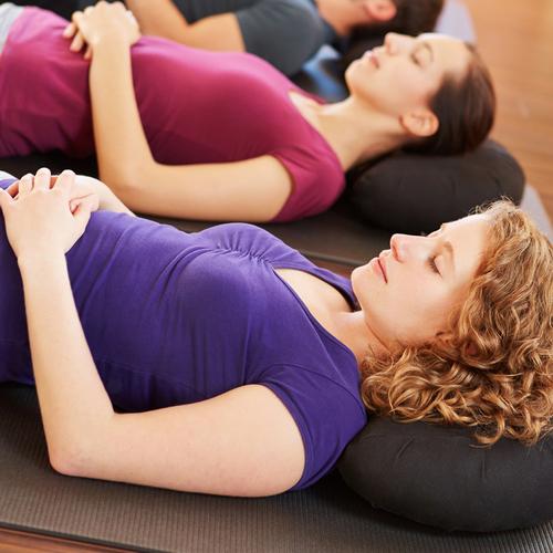 yoga ideal gegen stress gut f r gesundheit. Black Bedroom Furniture Sets. Home Design Ideas